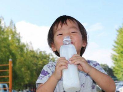 夏の水分補給の仕方!簡単自家製スポーツドリンクを持ち歩こう!|季節を楽しむ!親子でにこにこ☆Happyごはん