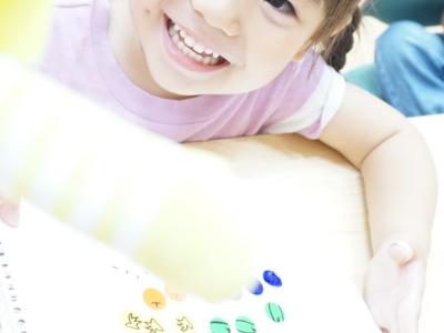 シール遊びは最高の脳育遊び❤ 子どもの才能は無限大!子どもの能力を伸ばす遊び、声かけコラム
